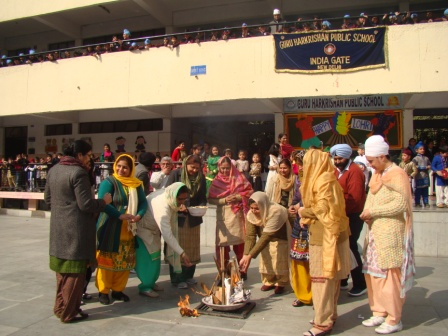 holiday homework guru harkrishan public school india gate